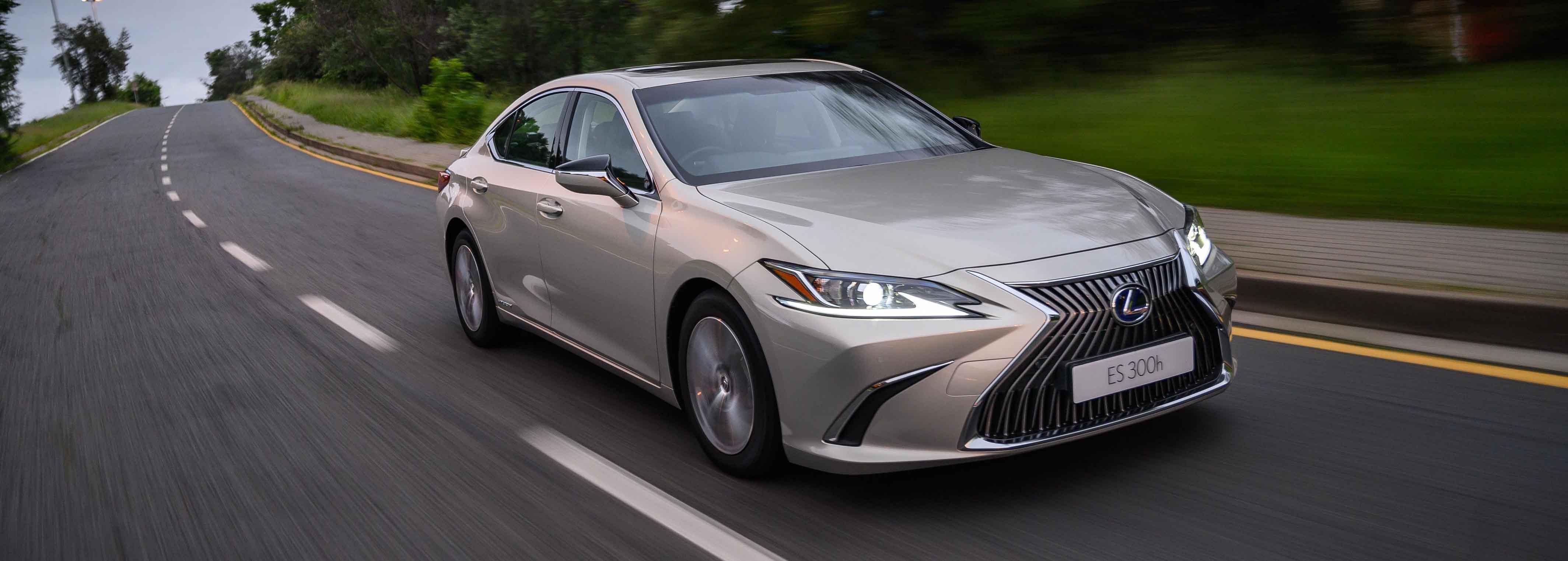 Lexus expands technology of ES range