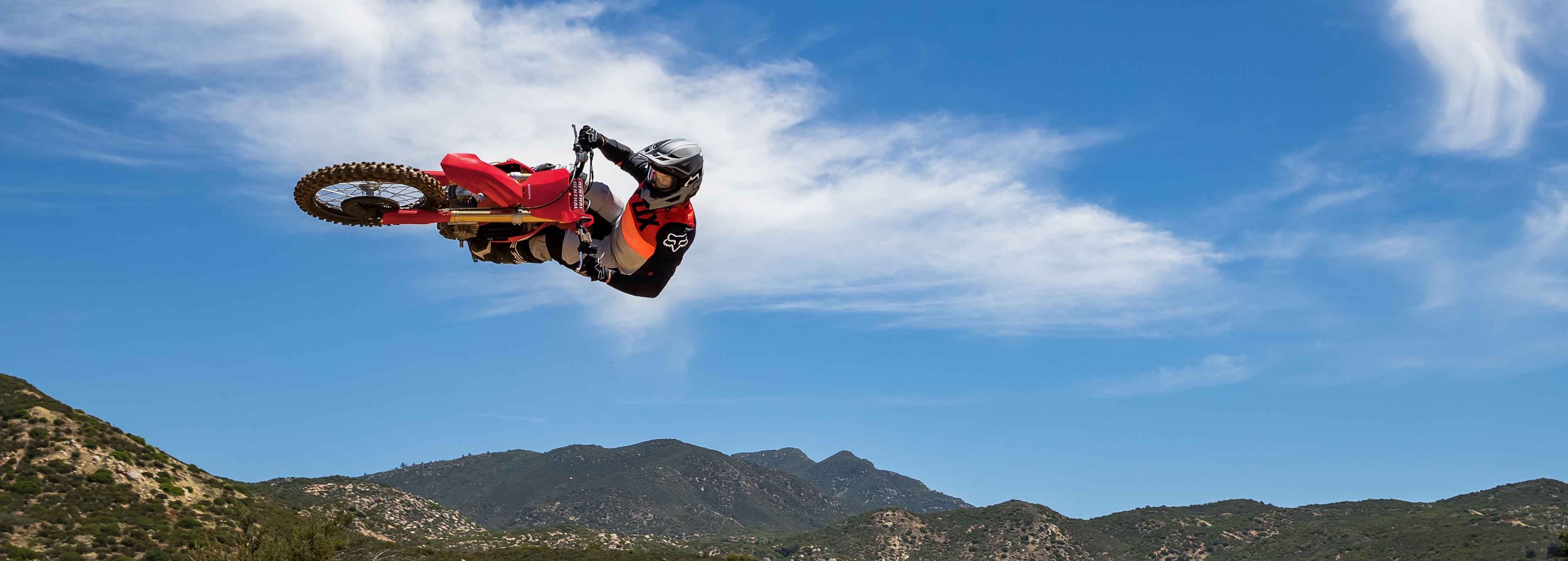 The Honda CRF450RX is the perfect cross country weapon video-banner