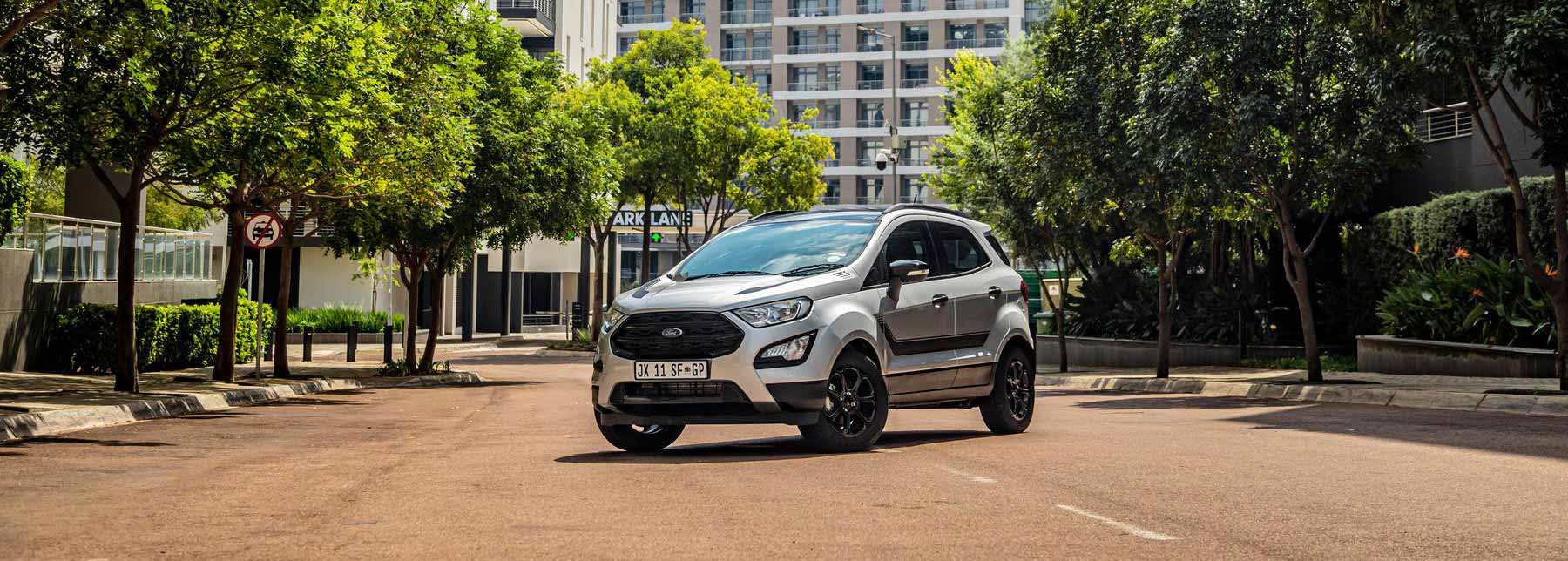 Ford EcoSport blacked out