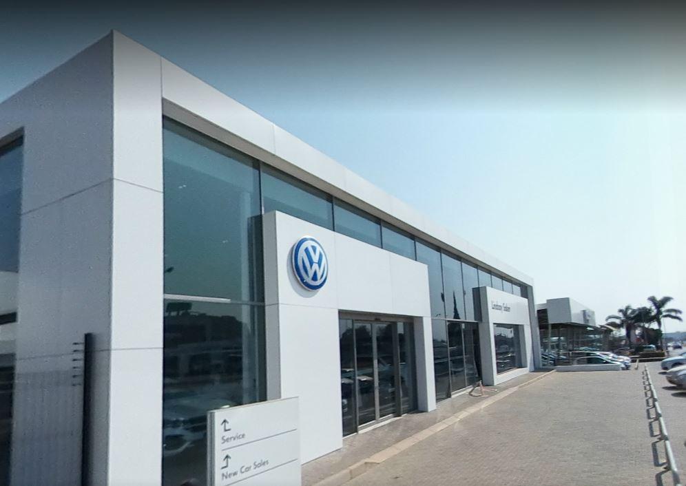 Lindsay Saker VW Kempton Park dealer image0