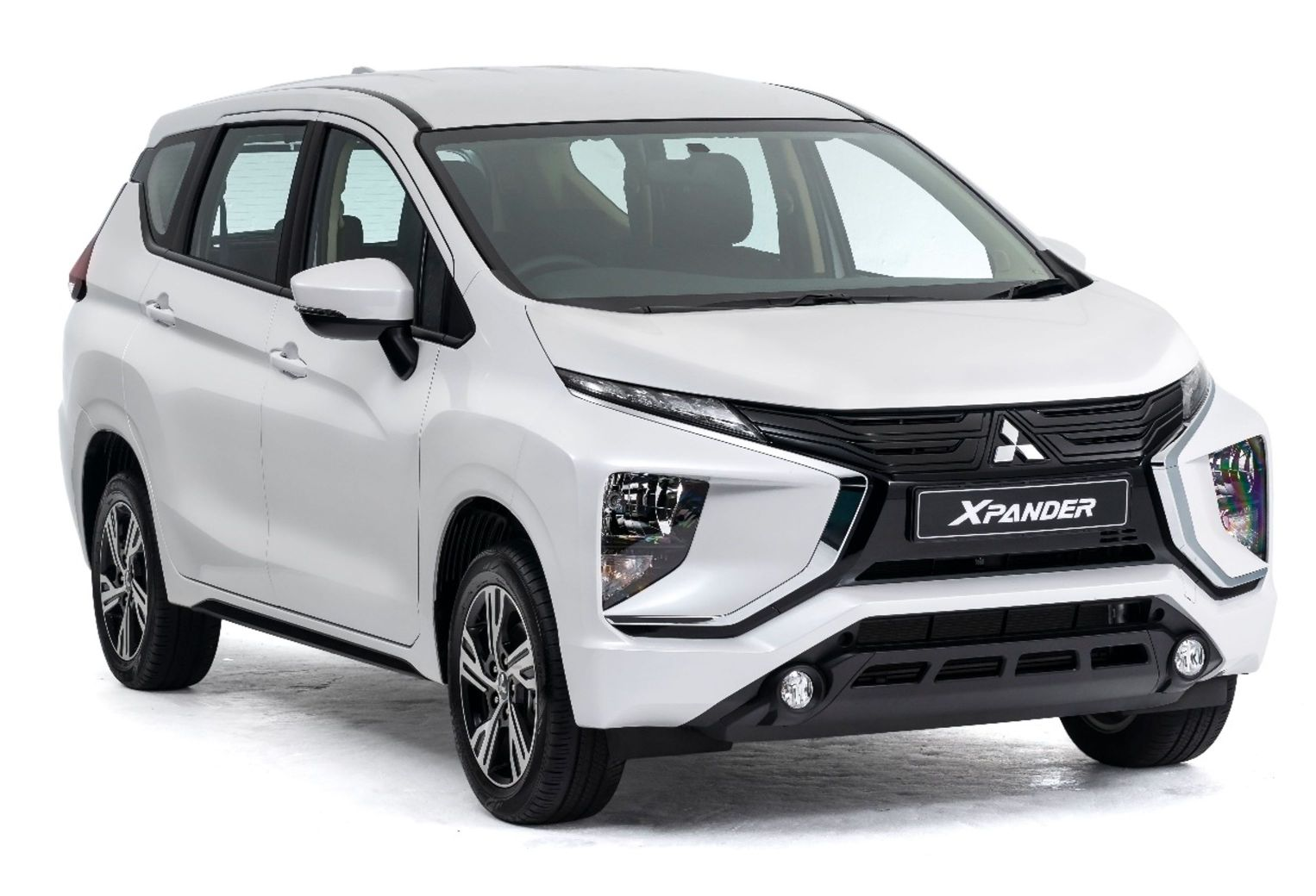 Mitsubishi Xpander from only R3 995pm banner
