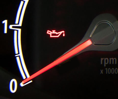 engine-oil-warning-light-explained